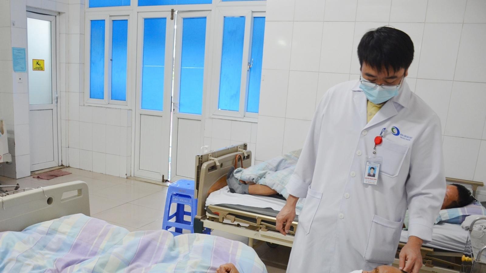 Bệnh viện Bãi Cháy cứu sống bệnh nhân vỡ hộp sọ do bị thang máy kẹp