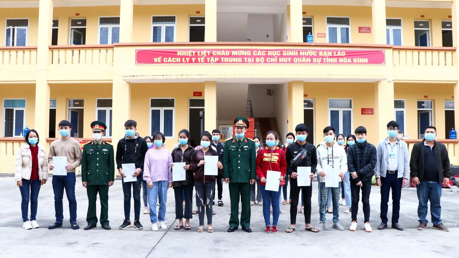 20 sinh viên Lào hoàn thành thời gian cách ly tại Hòa Bình