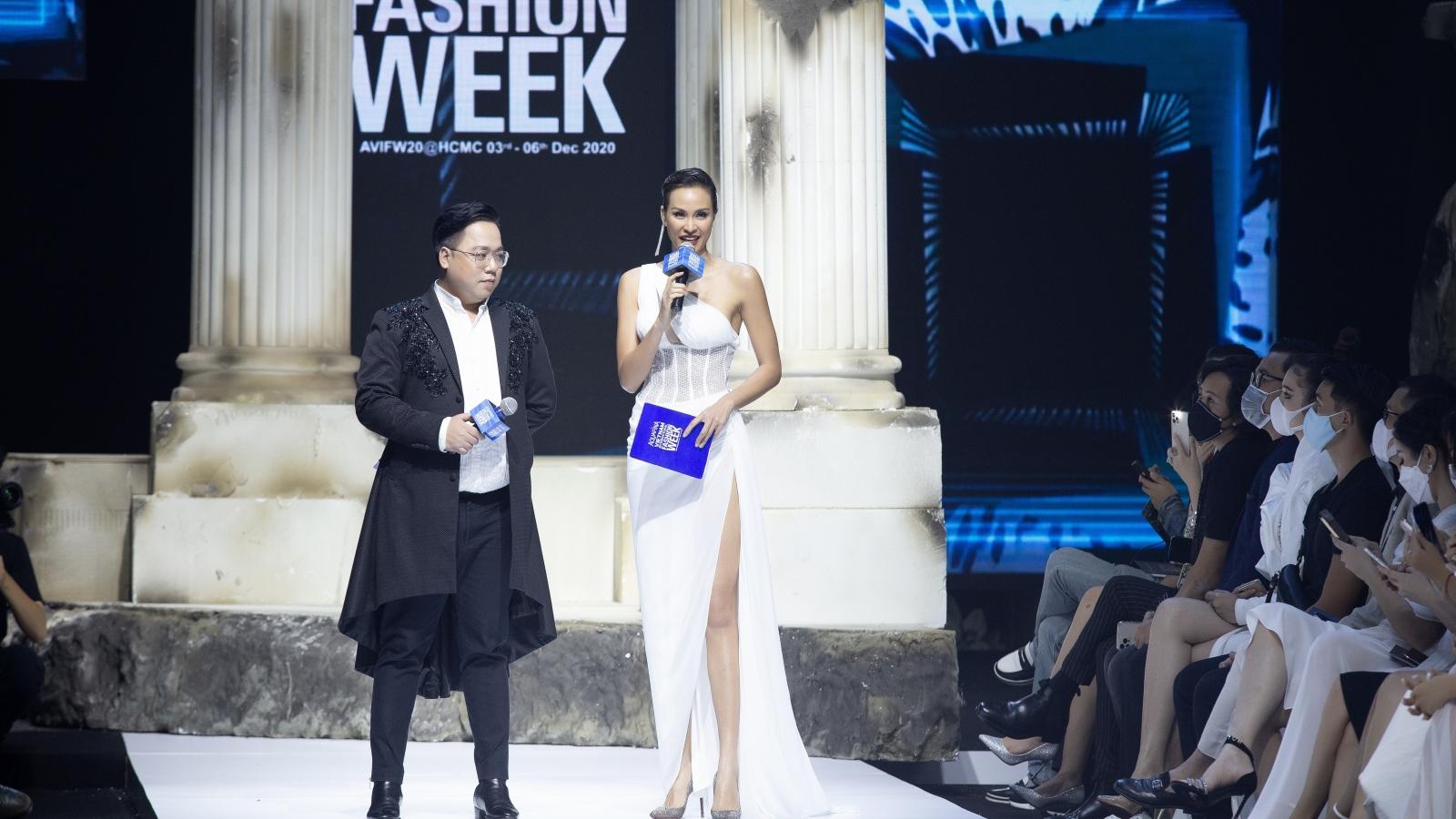 Phương Mai không còn hở bạo khi làm MC Tuần lễ thời trang Việt Nam quốc tế
