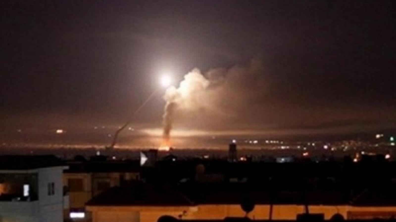 Israel không kích thủ đô Syria khiến 1 binh sỹ thiệt mạng