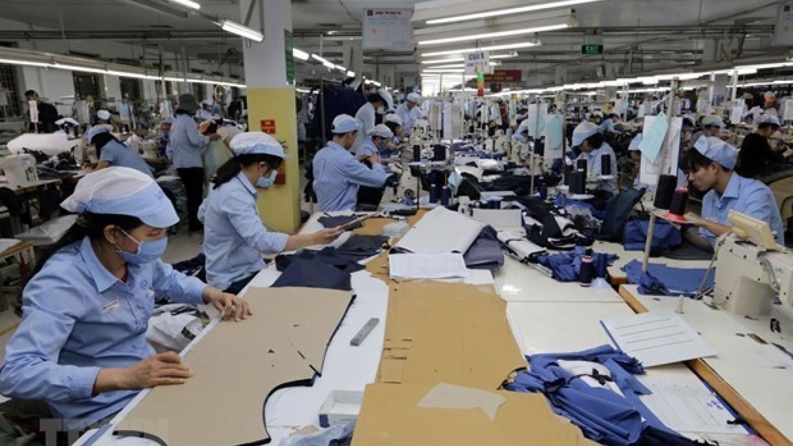 Nhu cầu tuyển dụng tăng, thu nhập của lao động vẫn chưa cải thiện