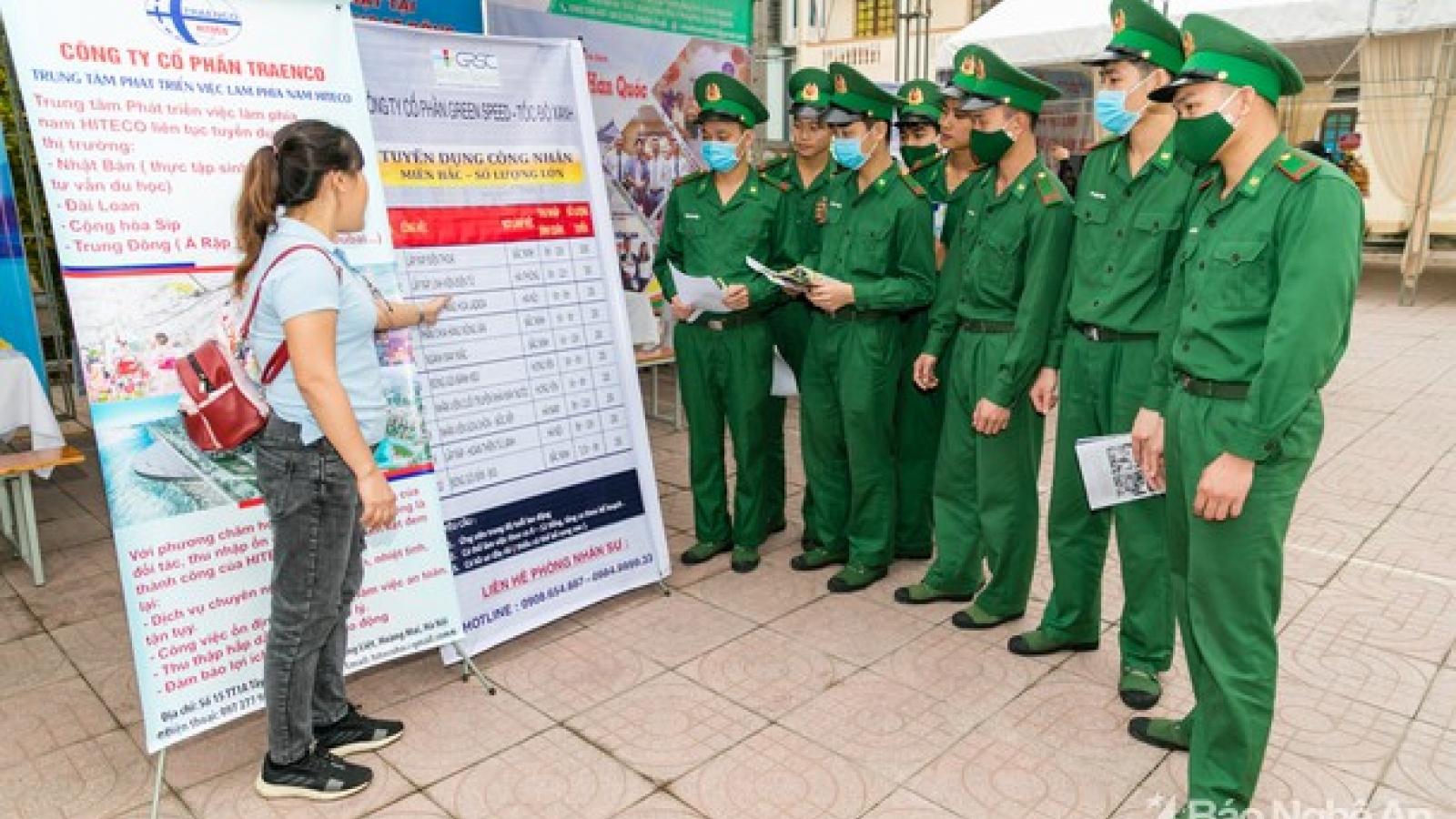 Nhiều việc làm từ 17-45 triệu cho lao động xuất ngũ tại Nghệ An