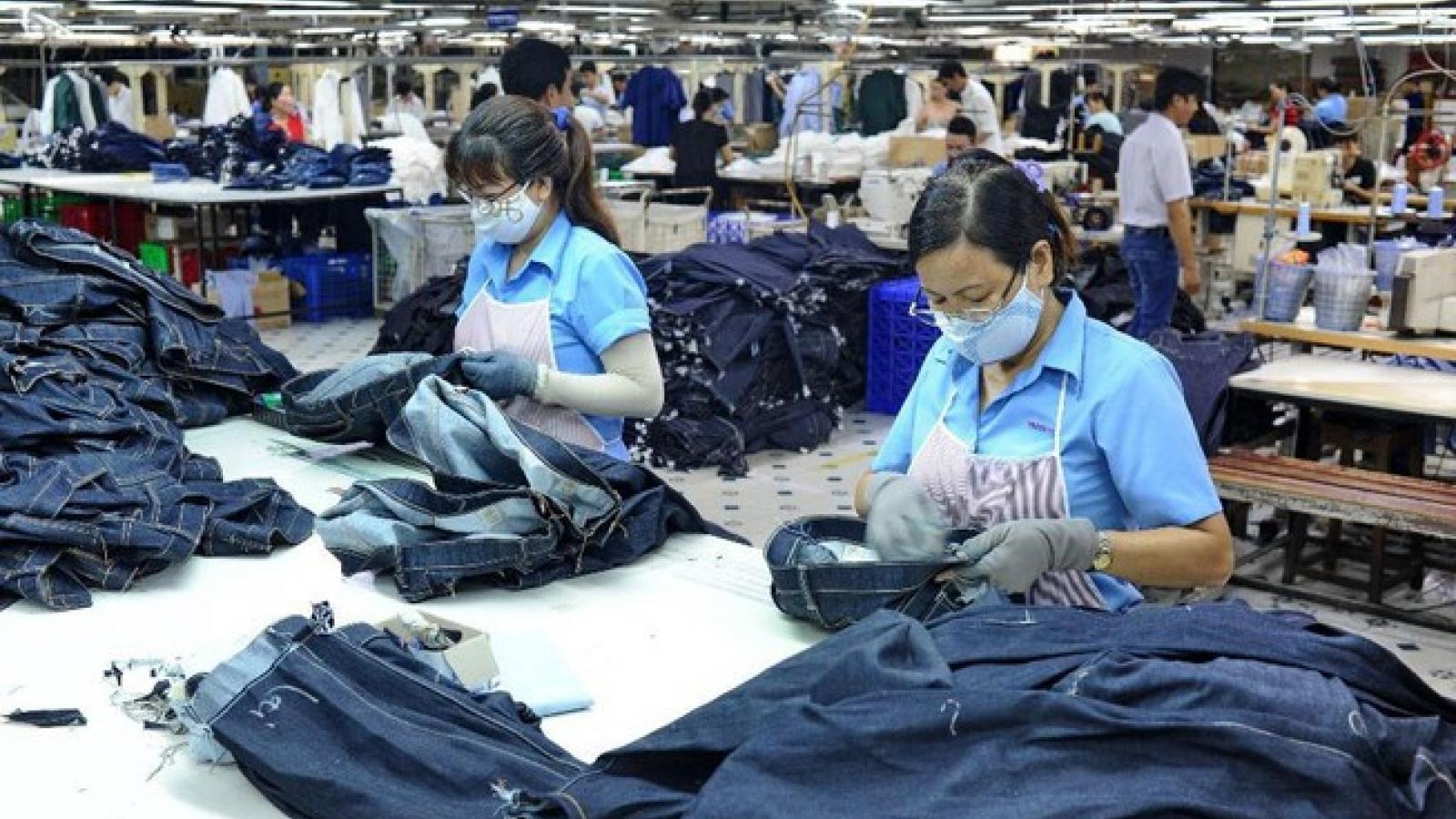 Thị trường lao động cuối năm có bớt màu xám để bứt phá?