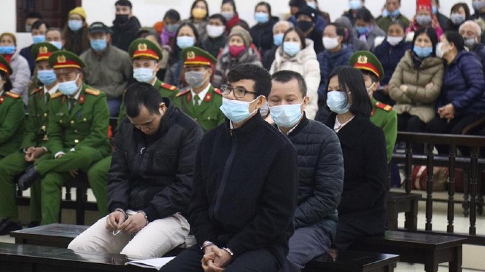 """Cán bộ Liên kết Việt được nhận hàng chục tỷ mà """"không hiểu vì sao"""""""