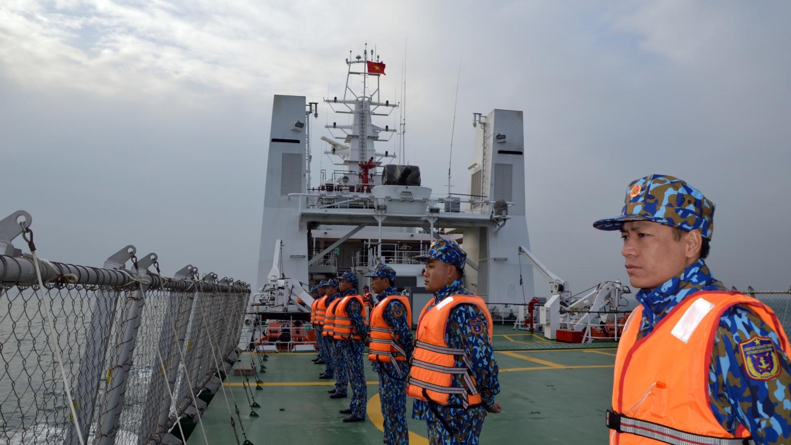 Cảnh sát biển Việt Nam và Trung Quốc kiểm tra liên hợp
