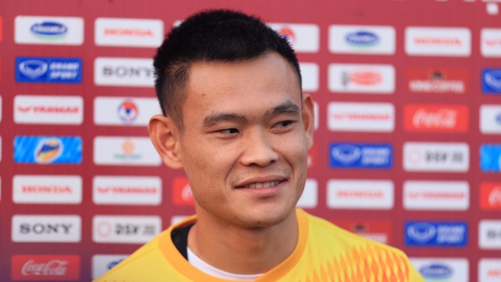 """Nguyễn Tiến Linh """"thất nghiệp"""" vì đồng đội ở ĐT Việt Nam quá chuyên nghiệp"""