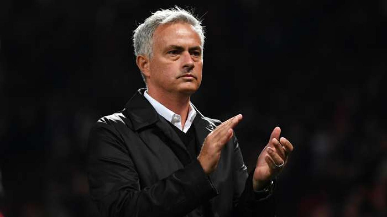 "HLV Mourinho ""oán trách"" MU trước đại chiến với Liverpool"