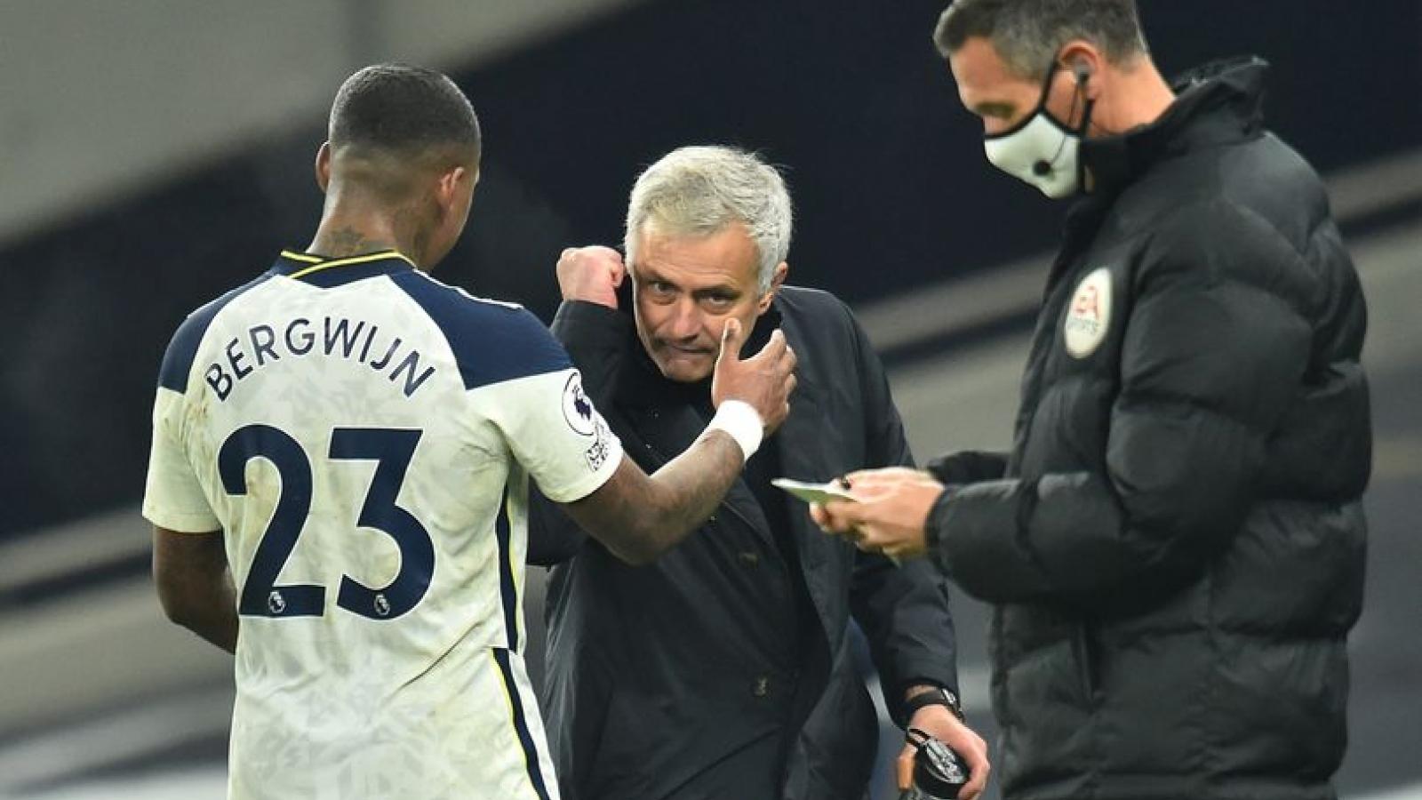 Tottenham đánh bại Arsenal, HLV Mourinho nối dài kỷ lục ấn tượng