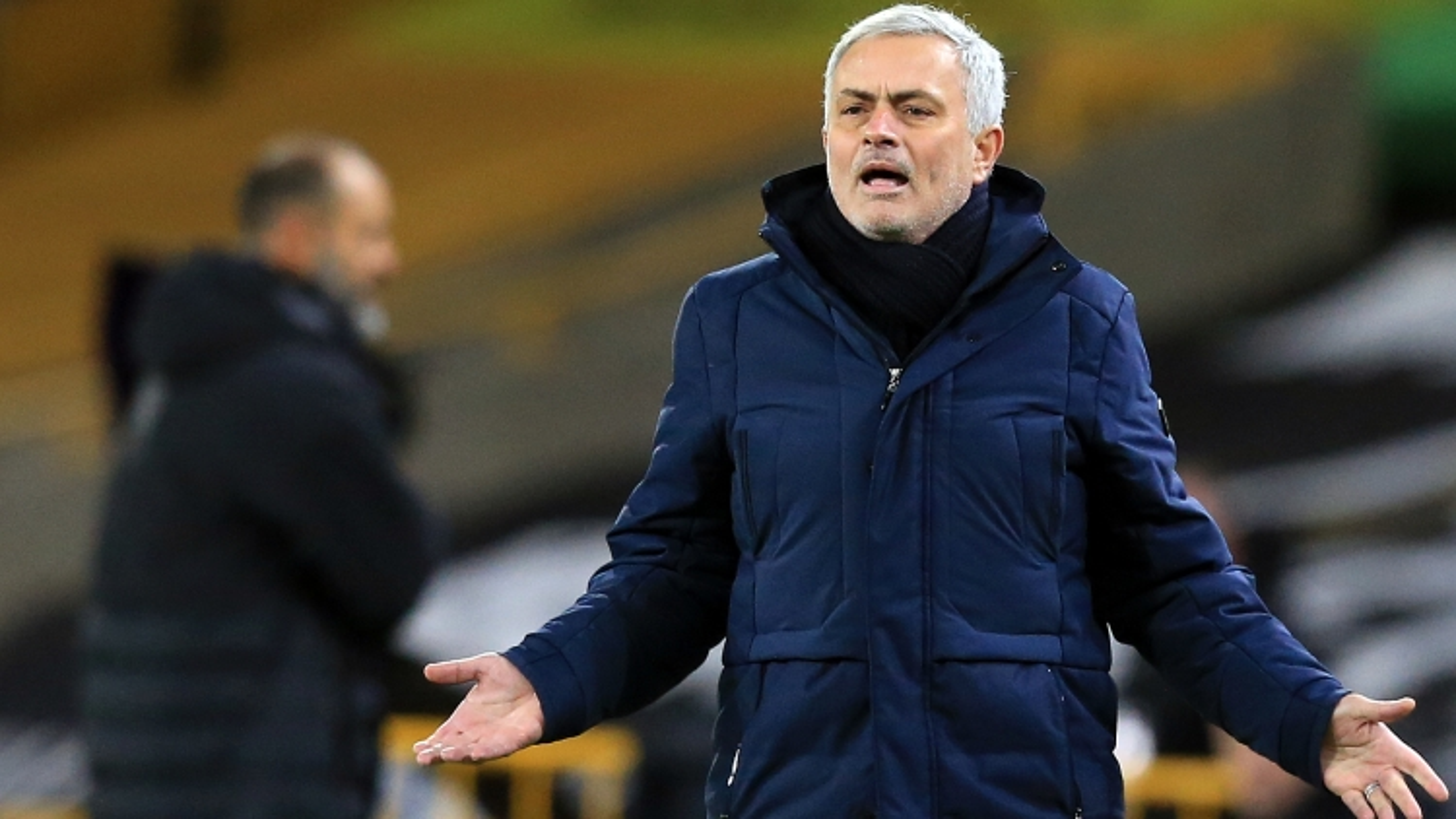 "Jose Mourinho: ""Cầu thủ Tottenham thiếu tham vọng"""