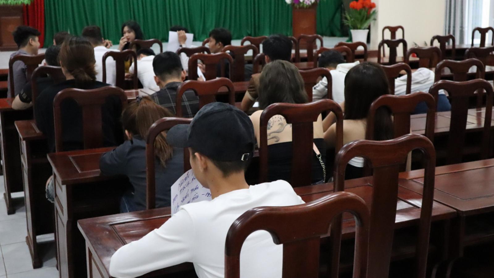 Hàng chục thanh niên dương tính với ma túy tại 2 quán bar ở Bình Phước