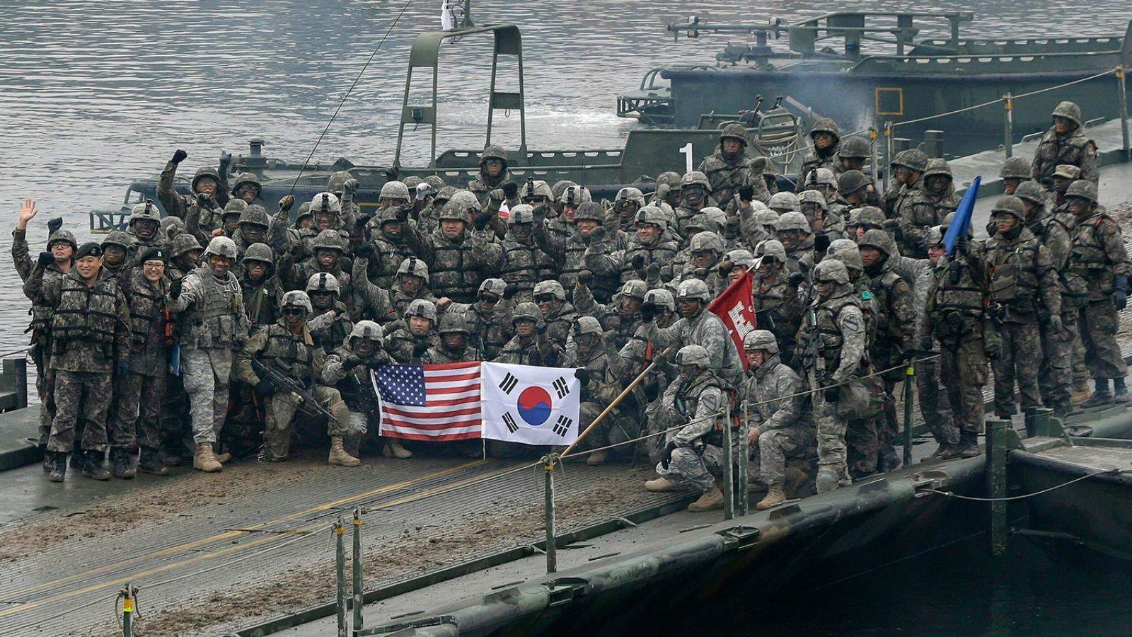 Mỹ trao trả 12 căn cứ quân sự cho Hàn Quốc