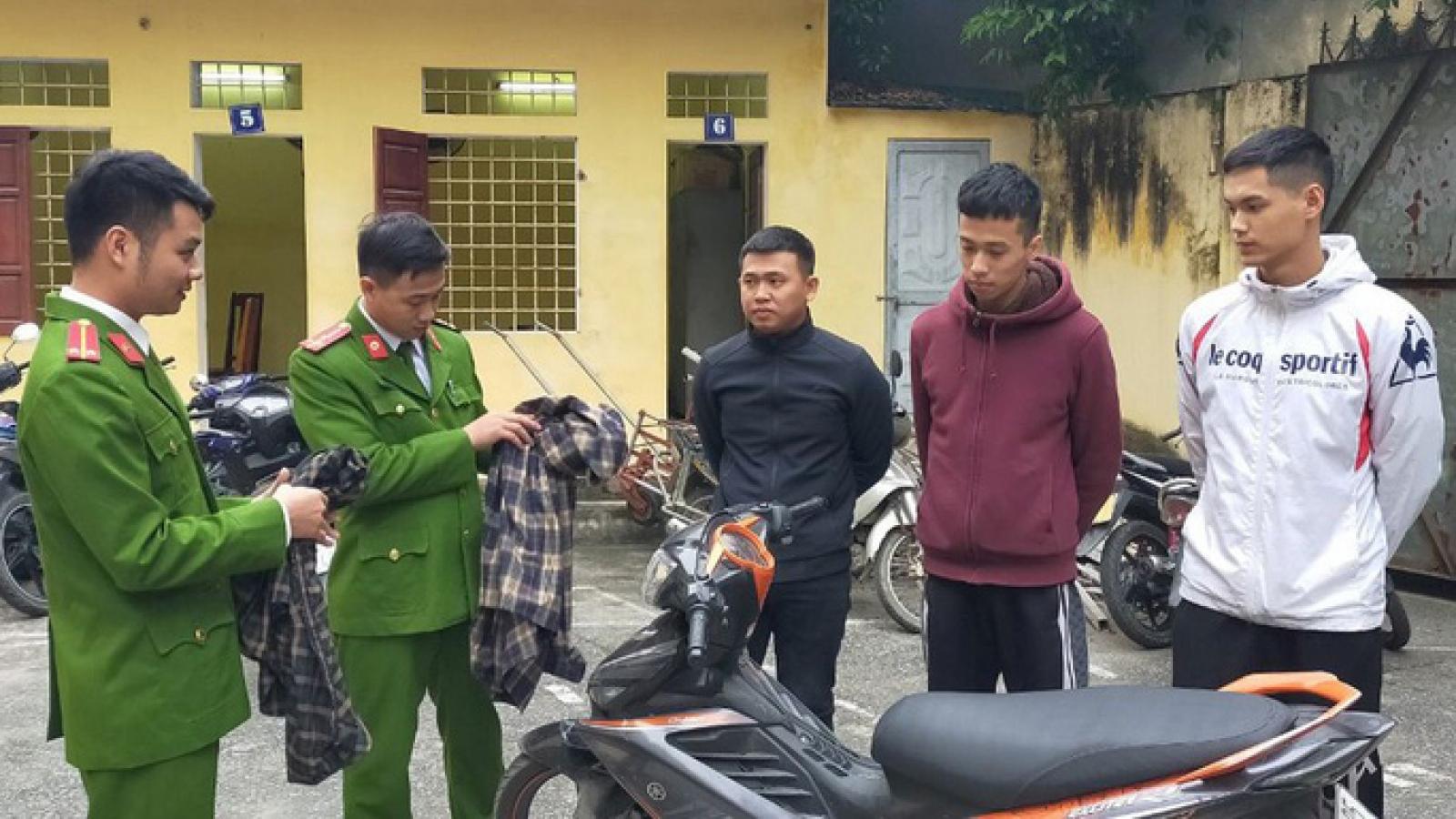Đã xác định được 3 kẻ ném chất bẩn vào nhà phóng viên báo Người Lao Động