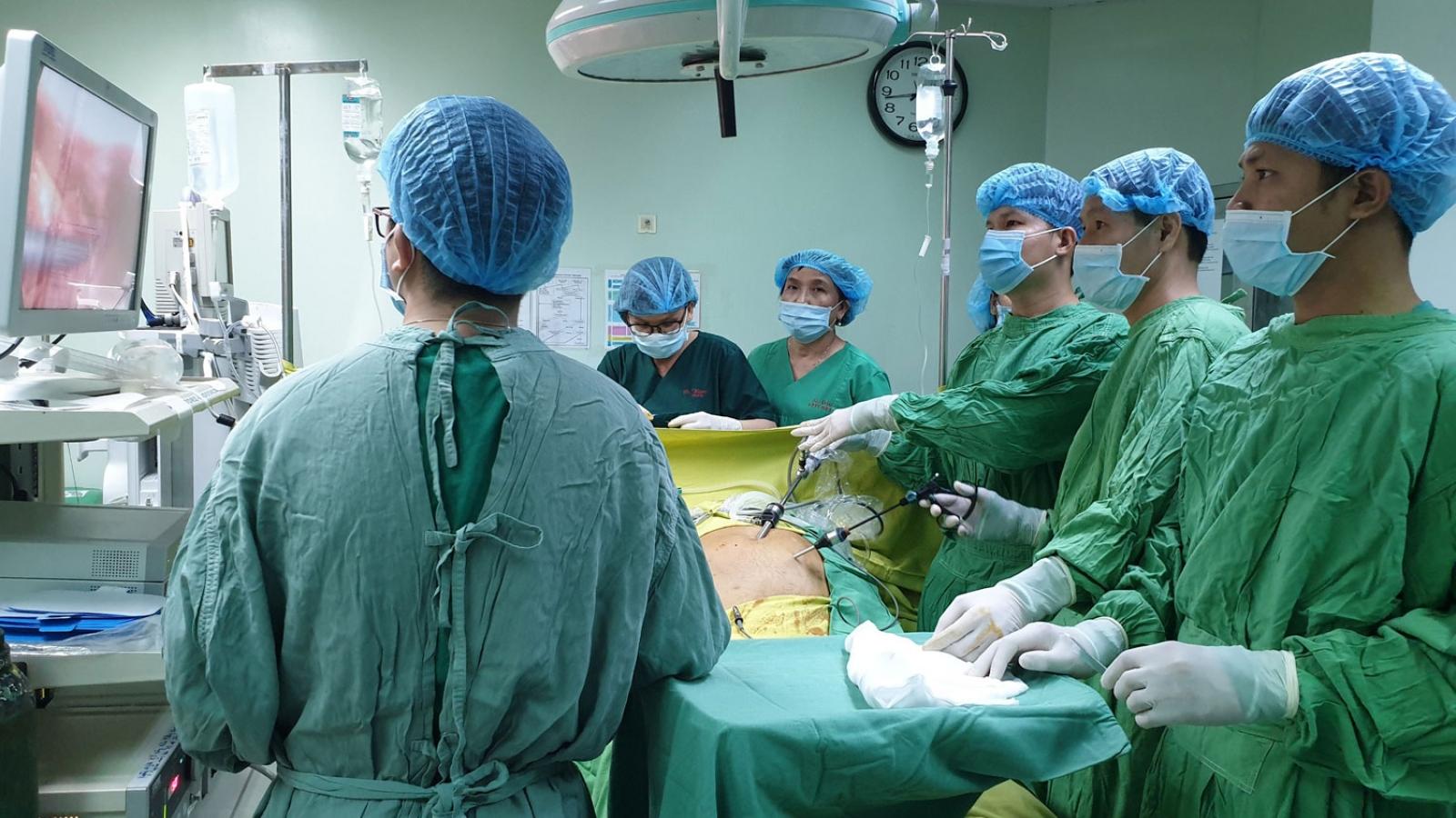 Cấp cứu kịp thời một bệnh nhân bị viêm ruột thừa kèm suy tim nặng