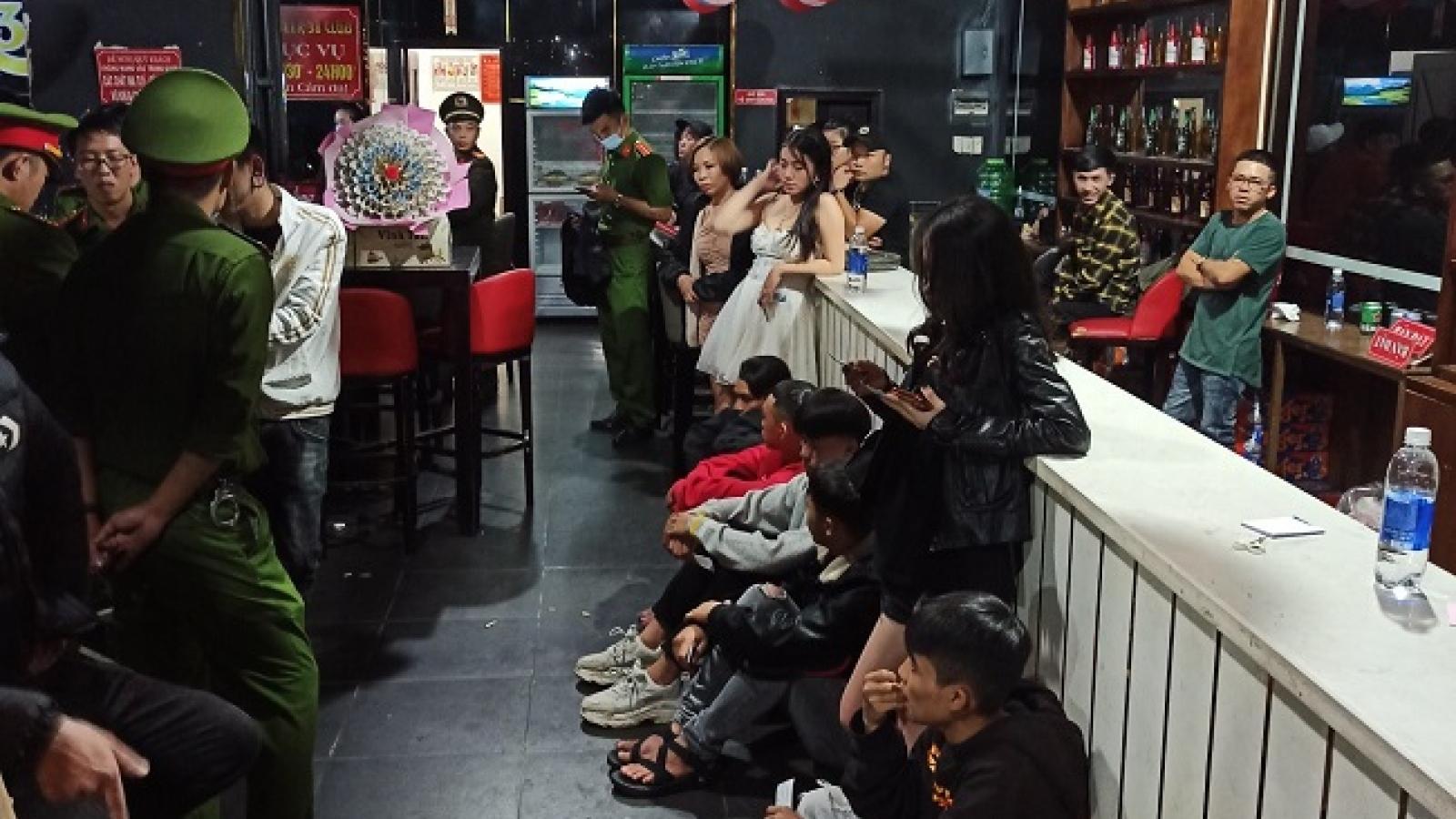 Lâm Đồng phát hiện nhiều thanh niên phê ma túy vào lúc rạng sáng