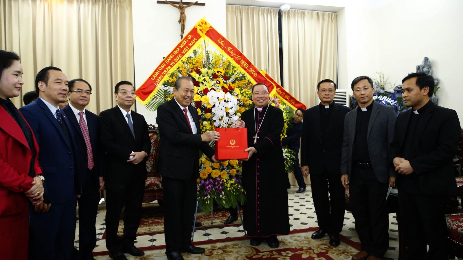 Phó Thủ tướng Trương Hòa Bình chúc mừng Giáng sinh đồng bào giáo dân