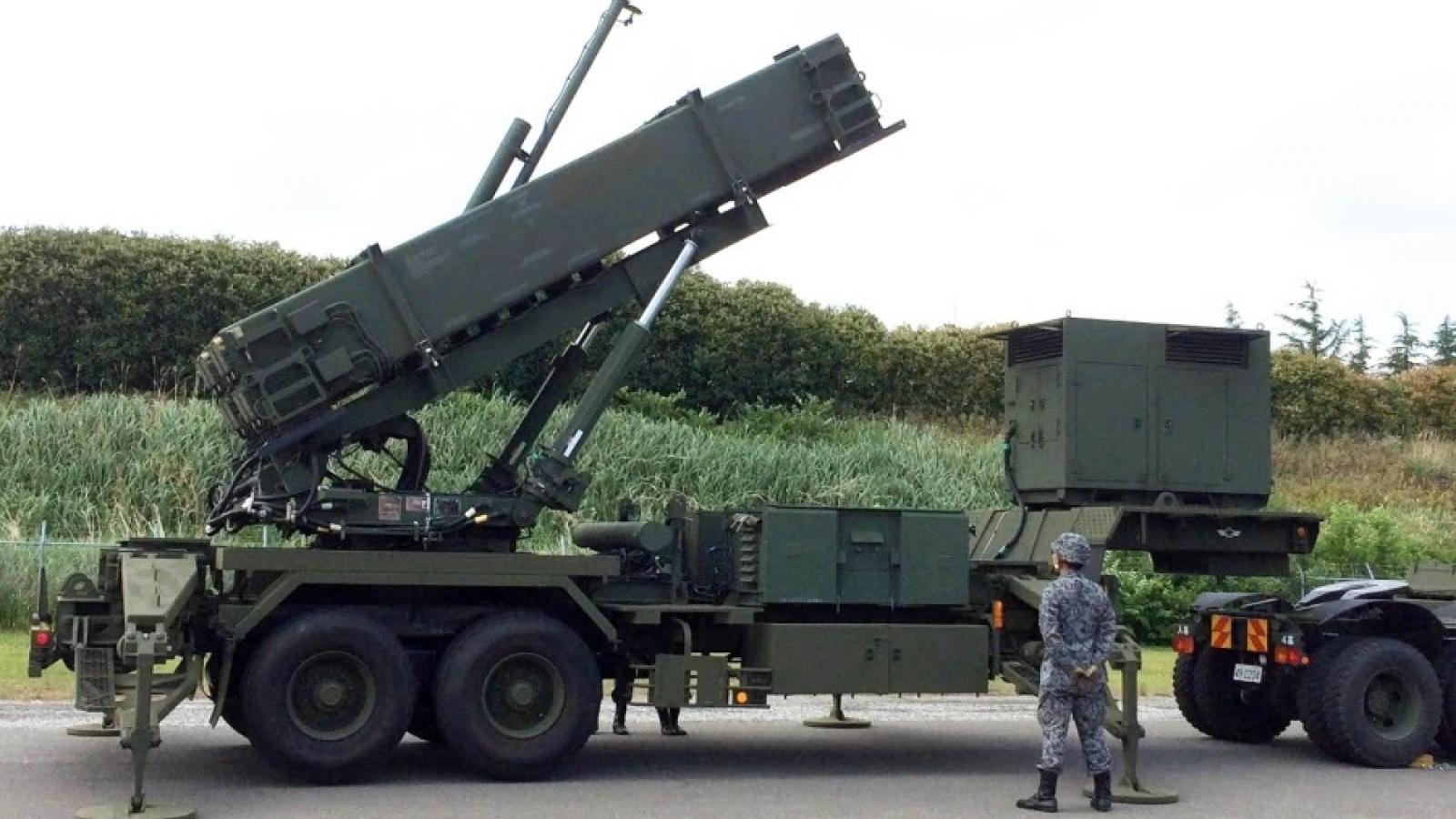 Nhật Bản thông qua chính sách phòng thủ tên lửa mới