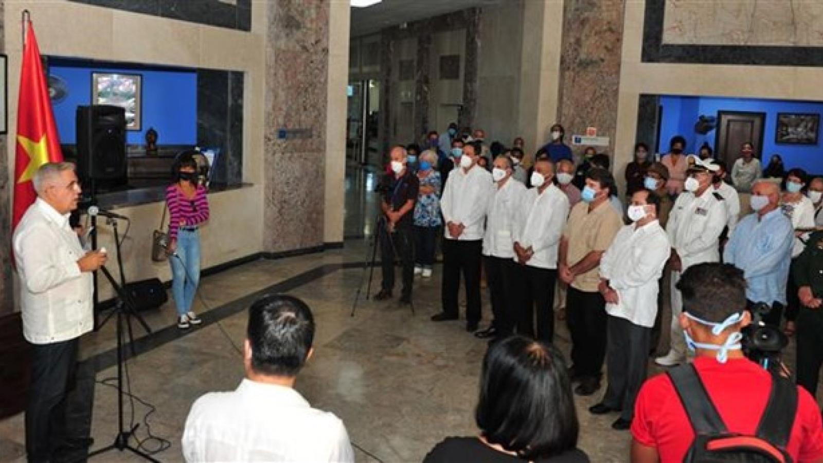 Havana photo exhibition marks 60 years of Vietnam-Cuba friendship