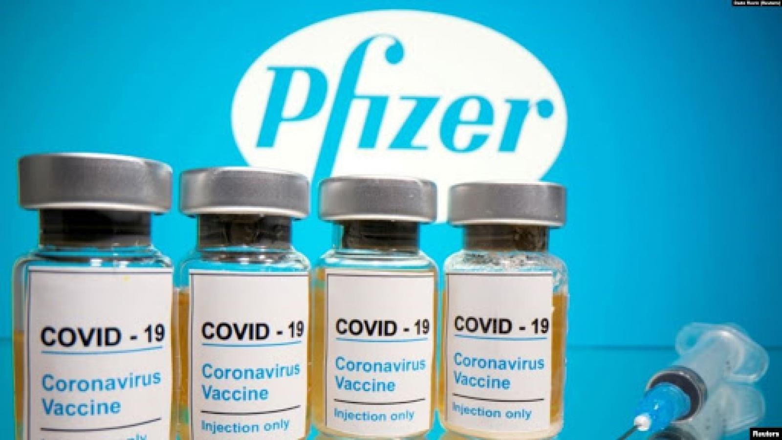 Vượt Mỹ và EU, Anh là nước phương Tây đầu tiên phê duyệt vaccine Covid-19