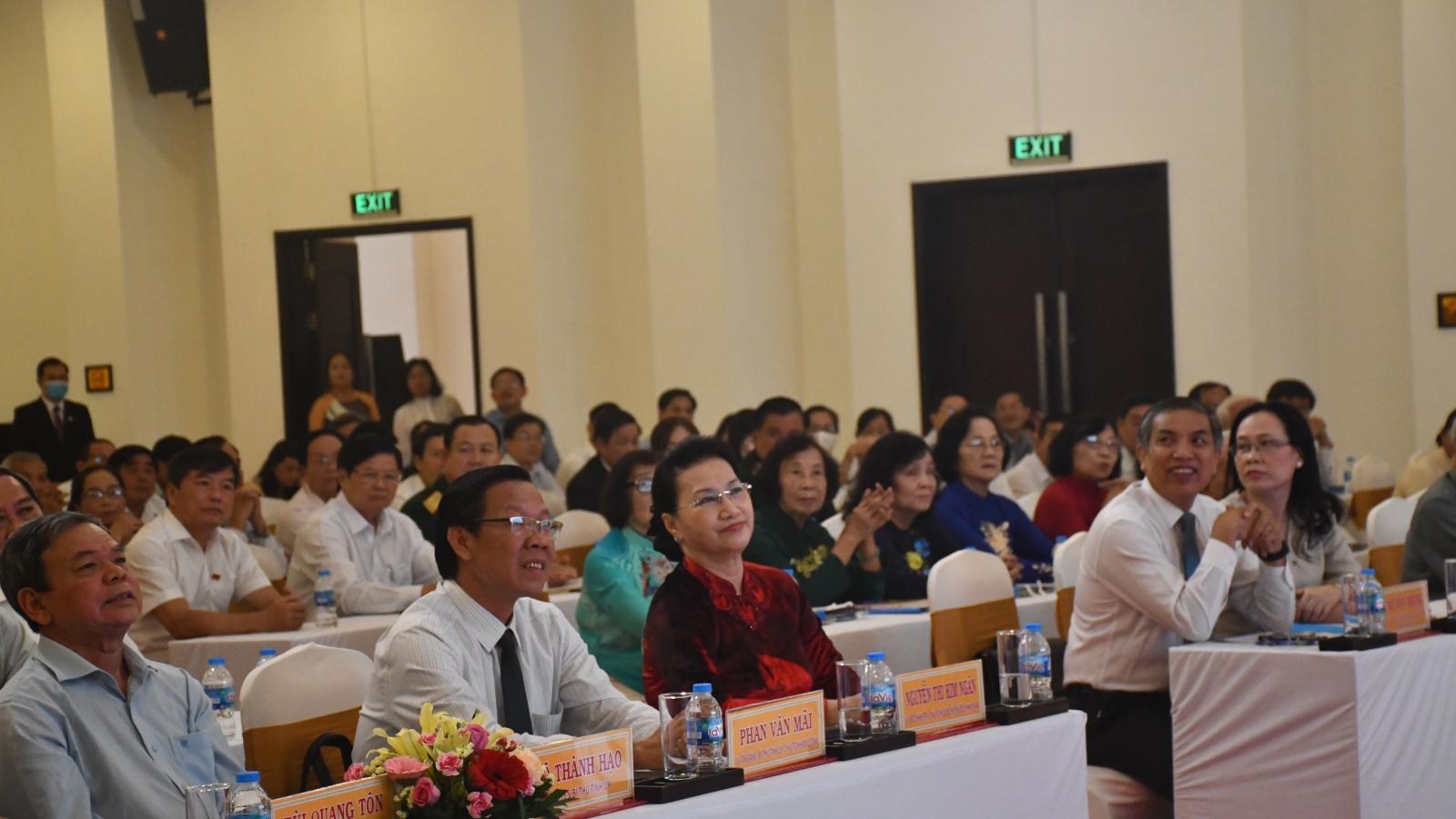 Chủ tịch Quốc hội dự họp mặt kỷ niệm 75 nămQuốc Hội Việt Nam tại Bến Tre
