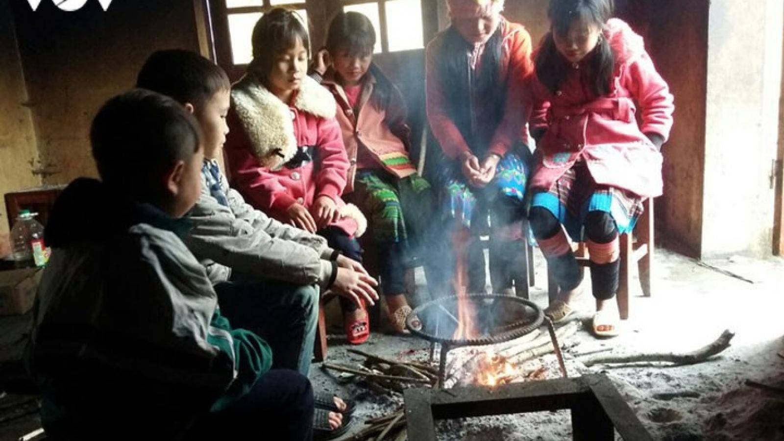 Các trường bán trú ở Lai Châu giữ học sinh ở lại cuối tuần để đảm bảo sức khỏe