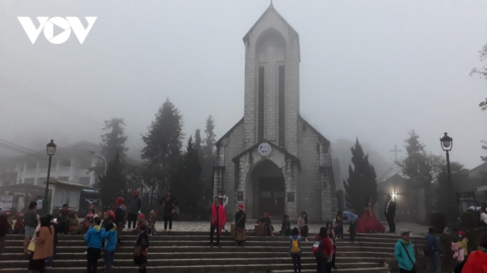 Lạnh 7 độ C, học sinh vùng cao Lào Cai phải nghỉ học để tránh rét