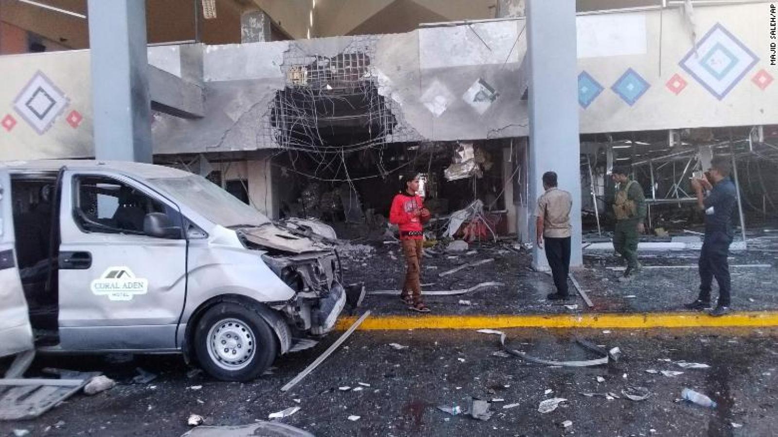Vụ tấn công sân bay ở Yemen: Hơn 80 người thương vong