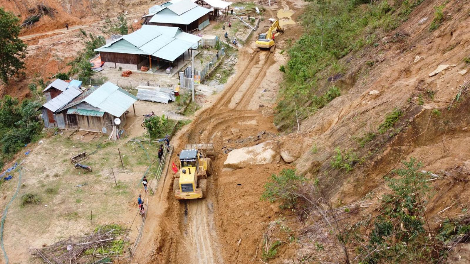Đất chảy và sạt lở núi ở Miền Trung: Tránh rủi ro từ sạt lở núi