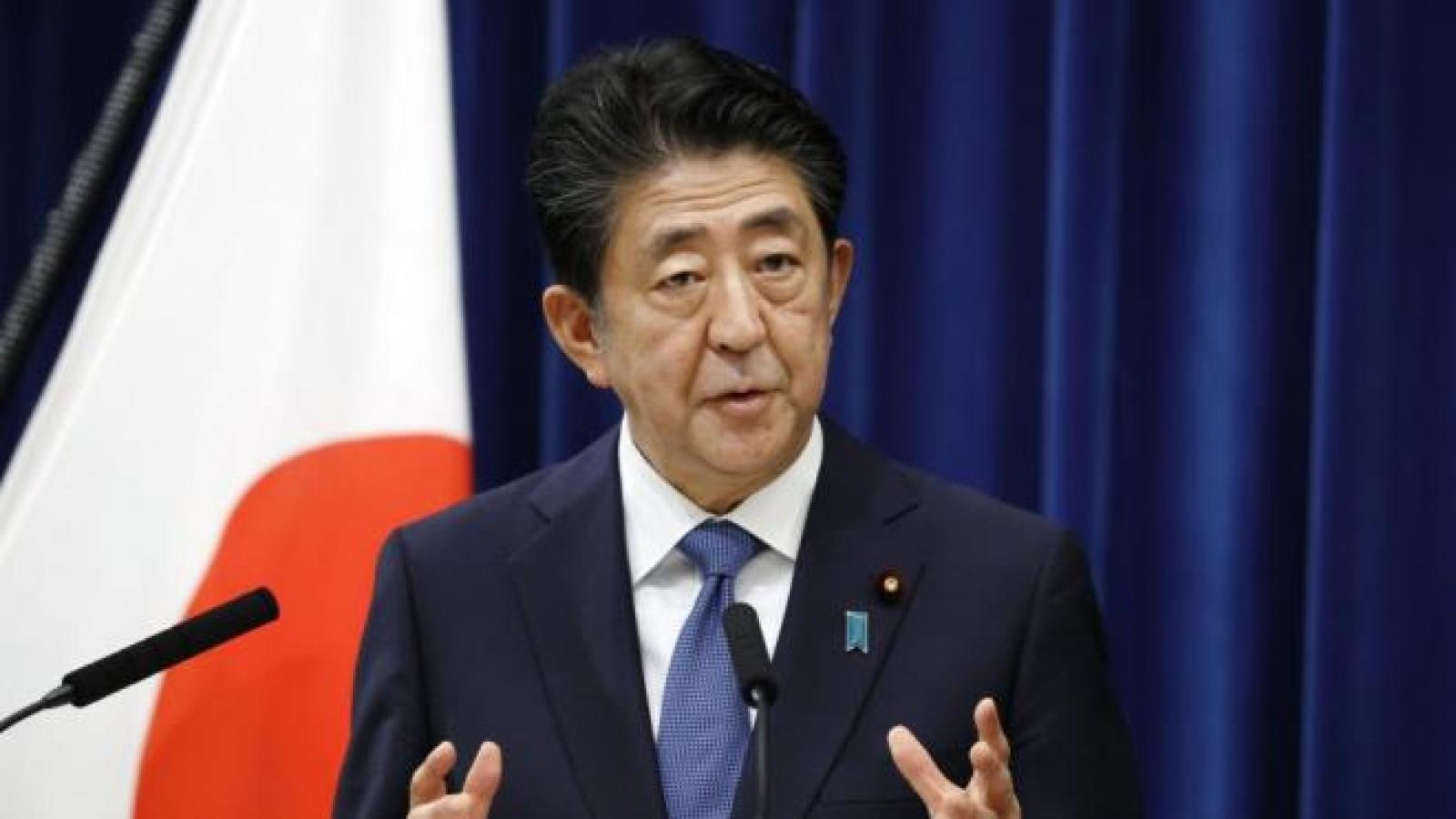 Cựu Thủ tướng Abe xin lỗi sau bê bối tài trợ bầu cử Nhật Bản