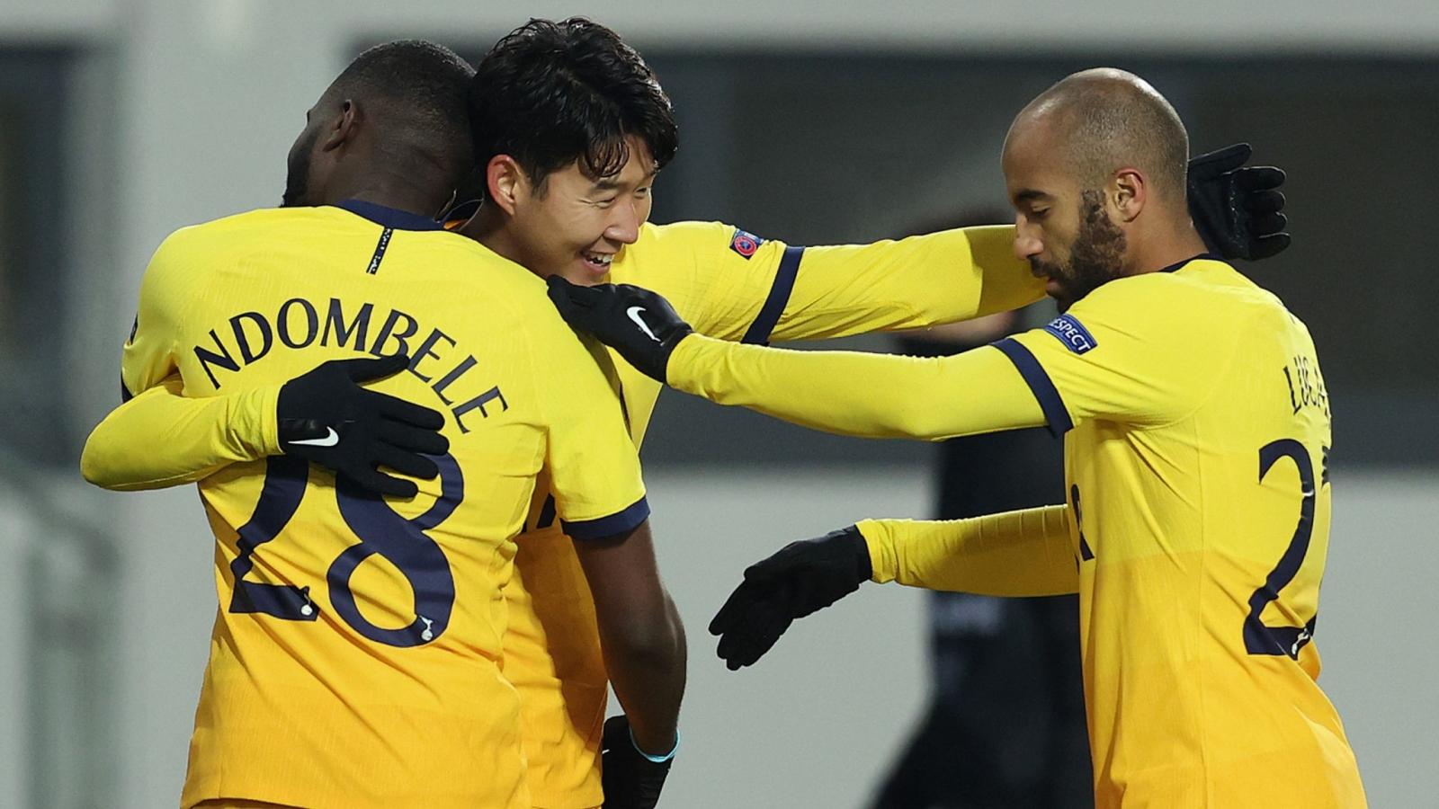 Europa League: Tottenham, AC Milan vượt qua vòng bảng