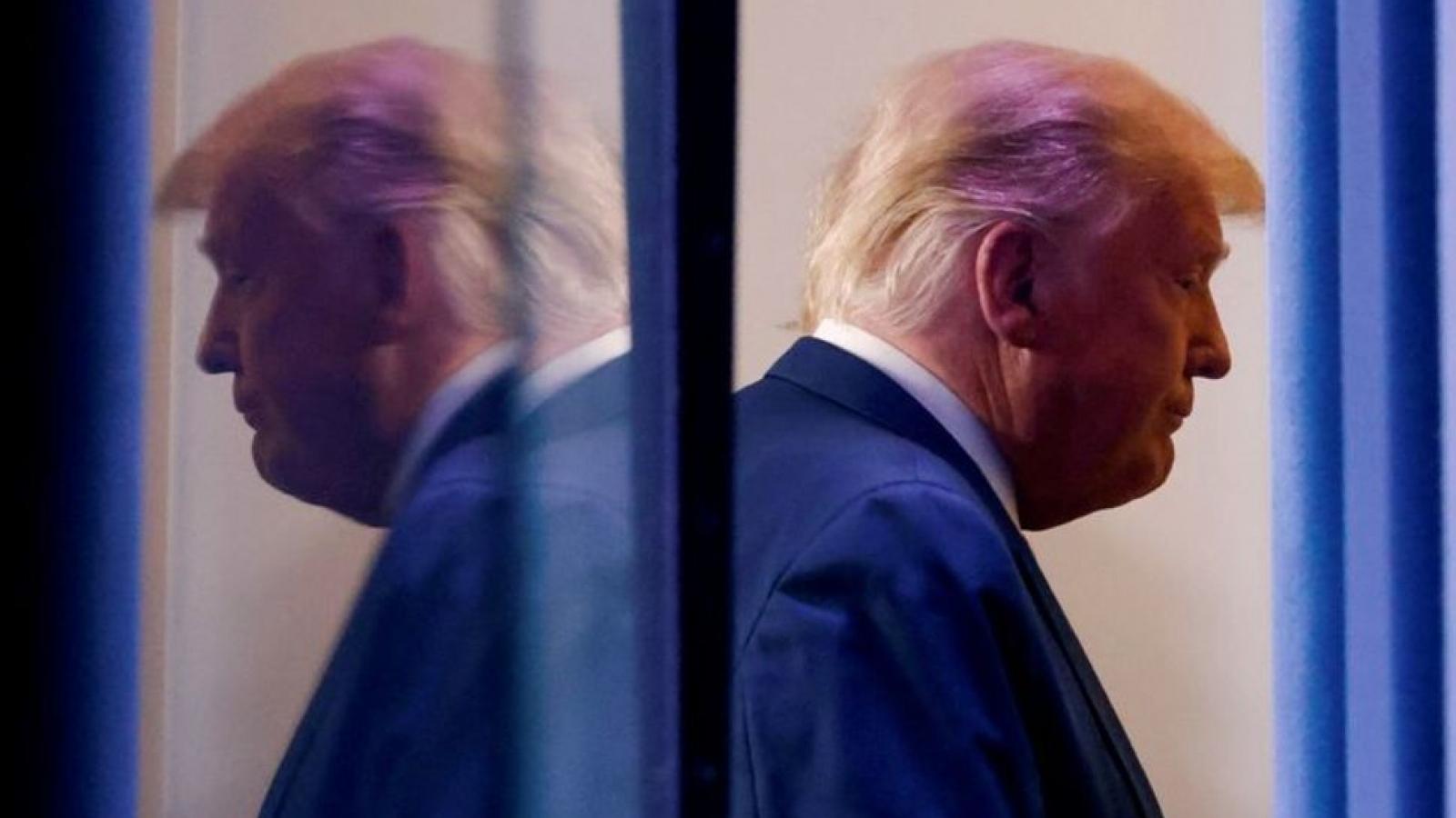 Liệu Tổng thống Trump có tự ân xá cho chính mình?