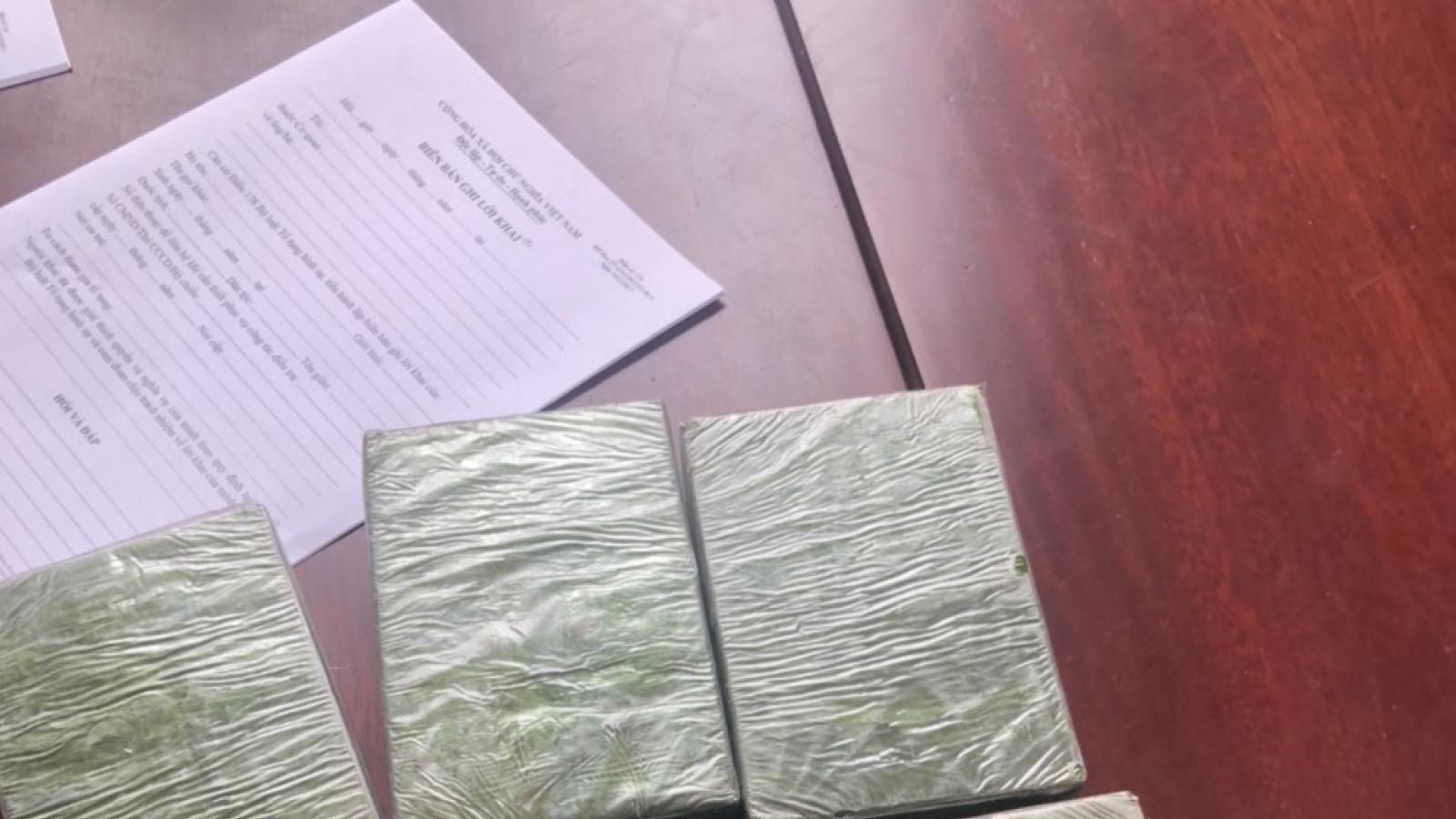 Bắt 2 đối tượng vận chuyển 6 bánh heroin từ Điện Biên về Hải Phòng