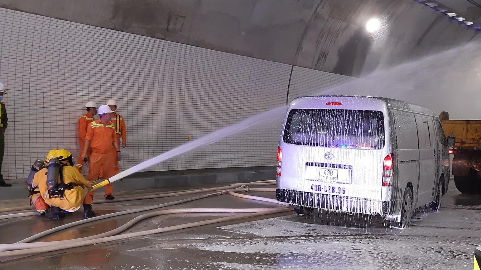 Diễn tập cứu hộ, chữa cháy tại Hầm Hải Vân 2 chuẩn bị đưa vào sử dụng