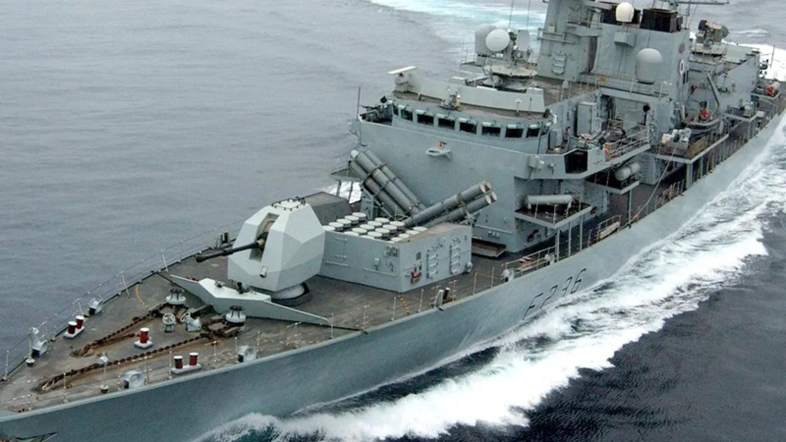 Tàu hải quân Anh sẵn sàng bảo vệ vùng biển trước các tàu đánh cá của EU