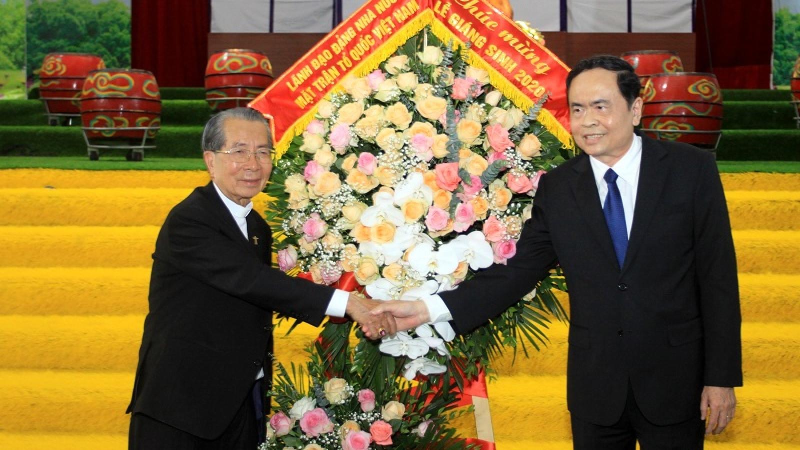 Ông Trần Thanh Mẫn chúc mừng đồng bào Công giáo Nam Định, Thái Bình