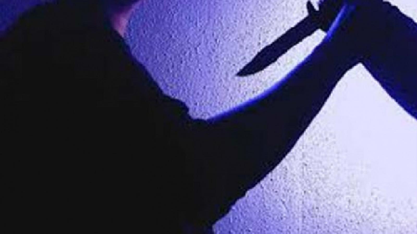 Nam thanh nhiên tử vong vì tự sát sau khi đâm người yêu cũ
