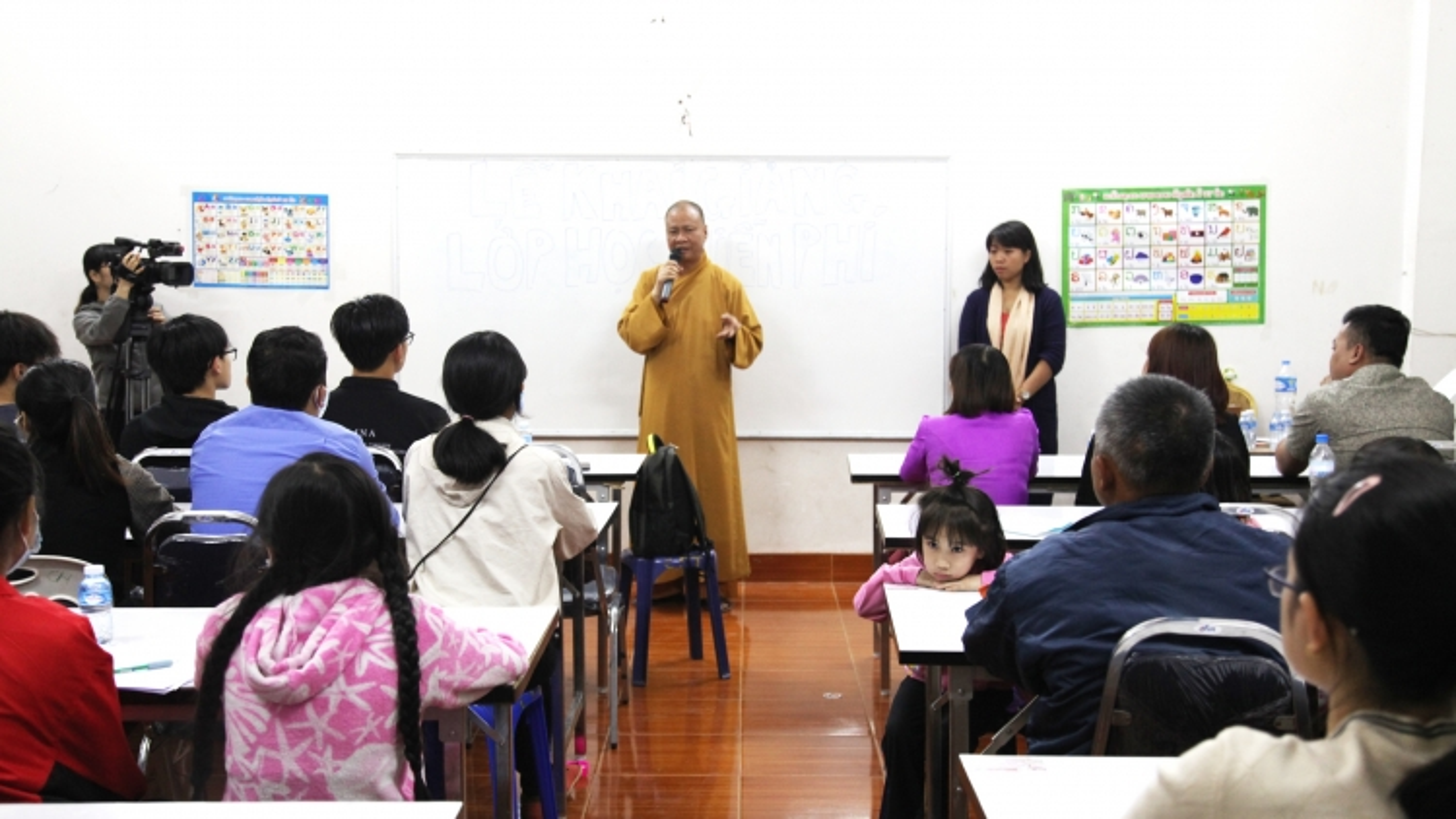 Chùa Phật Tích tại Lào mở khóa học ngôn ngữ miễn phí cho người Việt
