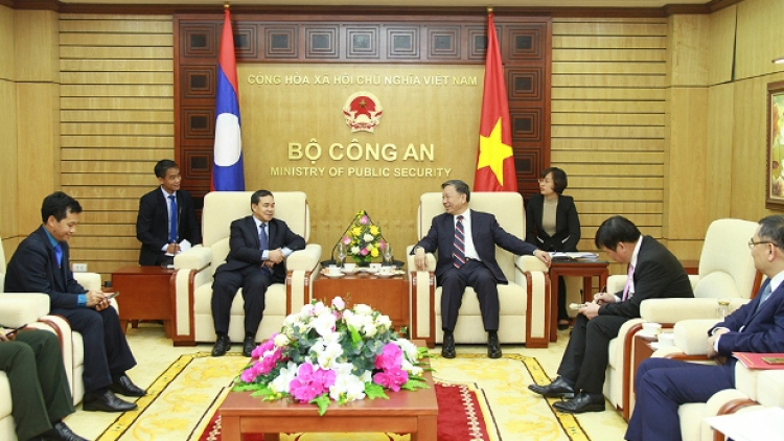 Bộ trưởng Công an Tô Lâm tiếp Đại sứ CHDCND Lào