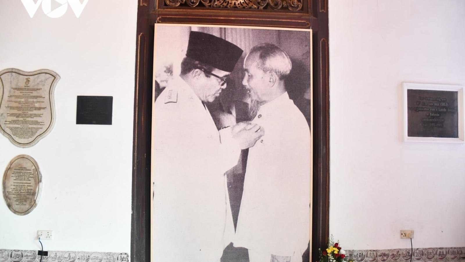 Lãnh đạo Đảng, Nhà nước gửi Thư chúc mừng nhân 65 năm thiết lập quan hệ Việt Nam-Indonesia