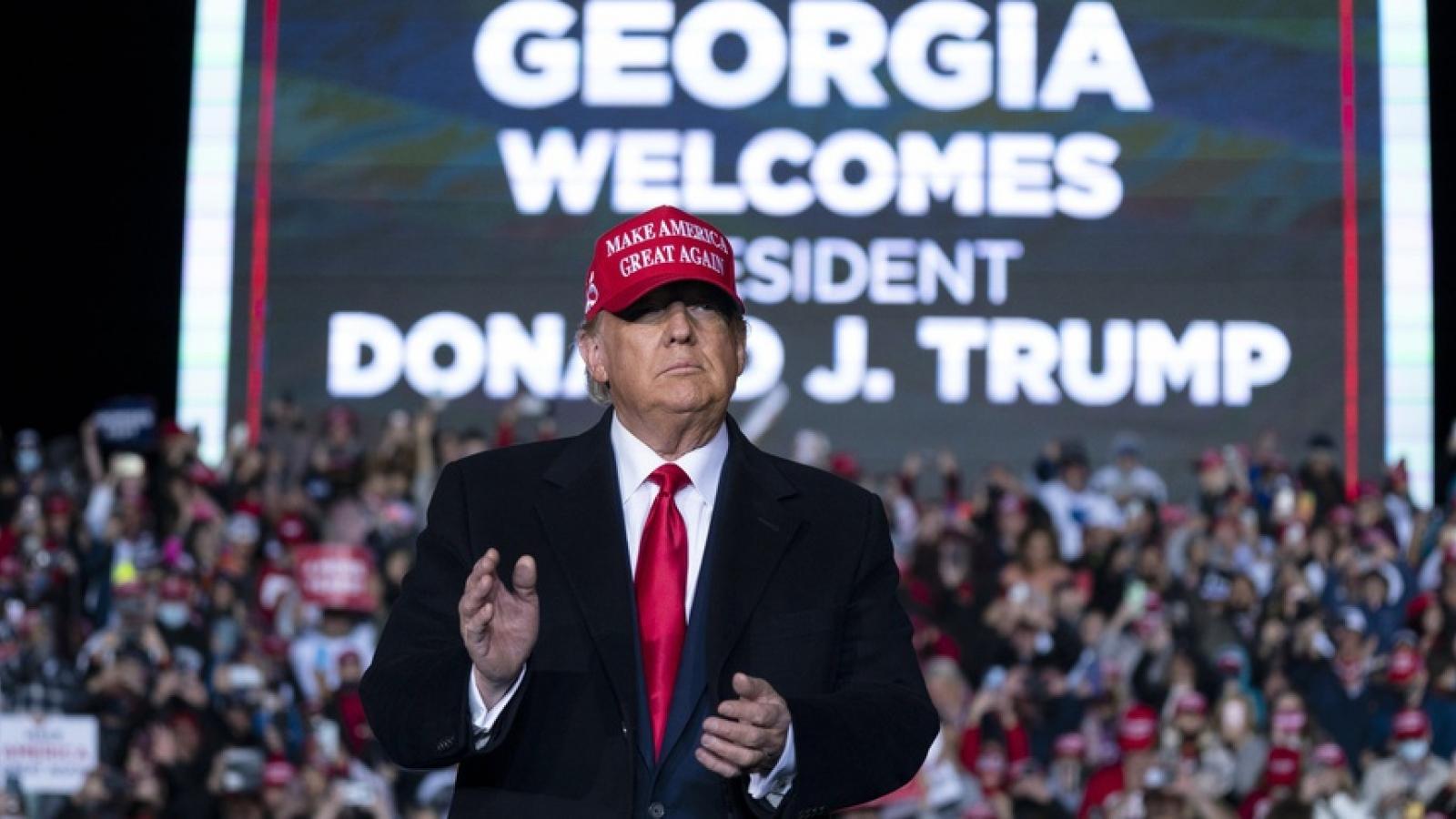 """Bầu cử Mỹ """"nóng"""" với cuộc đua Thượng viện, Tổng thống Donald Trump """"chính thức ra mặt"""""""