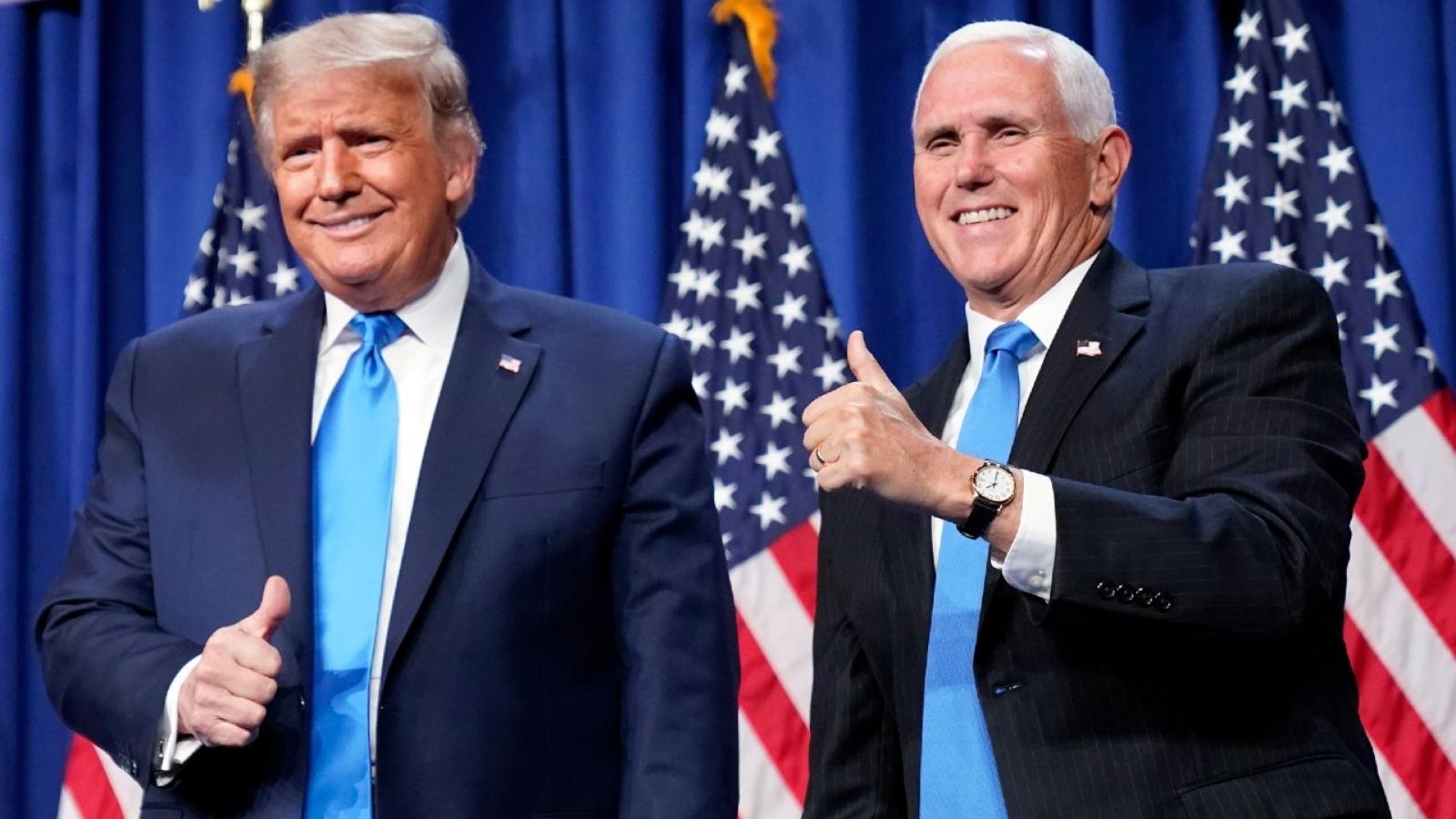 Vụ kiện buộc Mike Pence phải chọn bên trong nỗ lực đảo ngược kết quả bầu cử