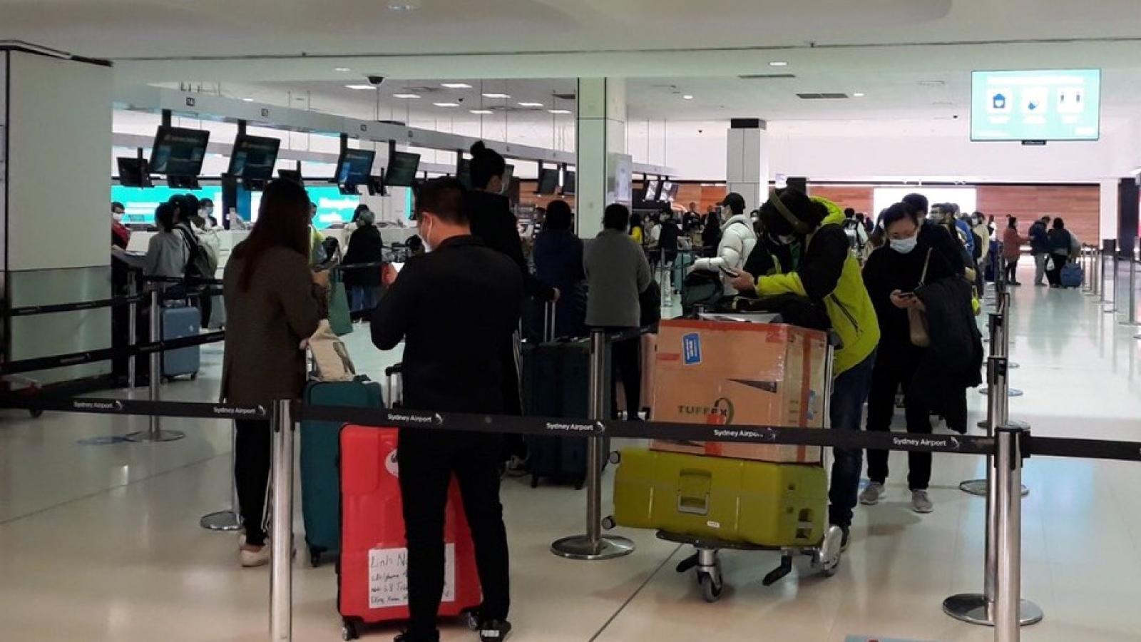 Đưa hơn 340 công dân Việt Nam từ Australia và New Zealand về nước