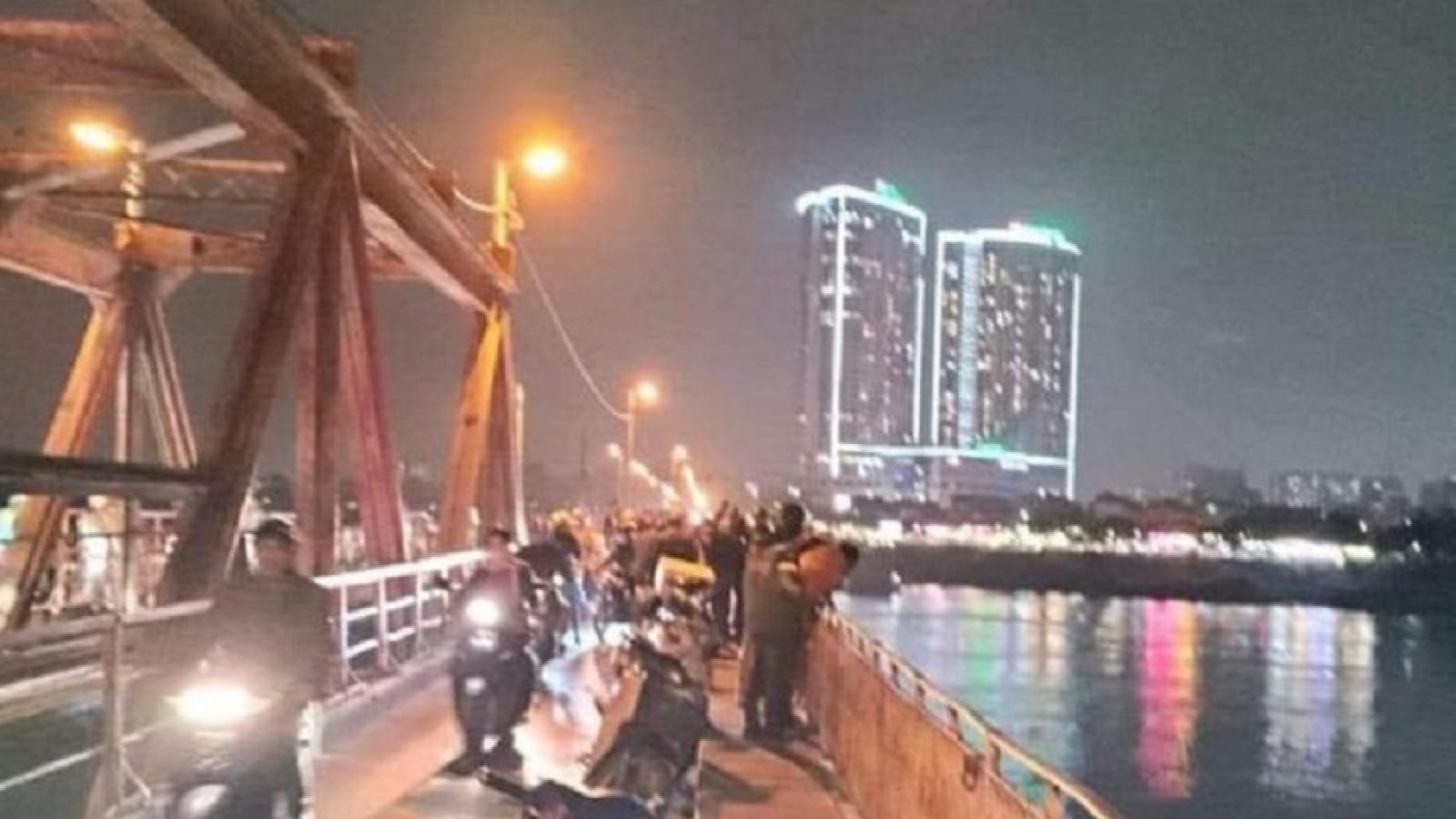 Xác minh nghi vấn thai phụ nhảy cầu Long Biên, Hà Nội tự tử