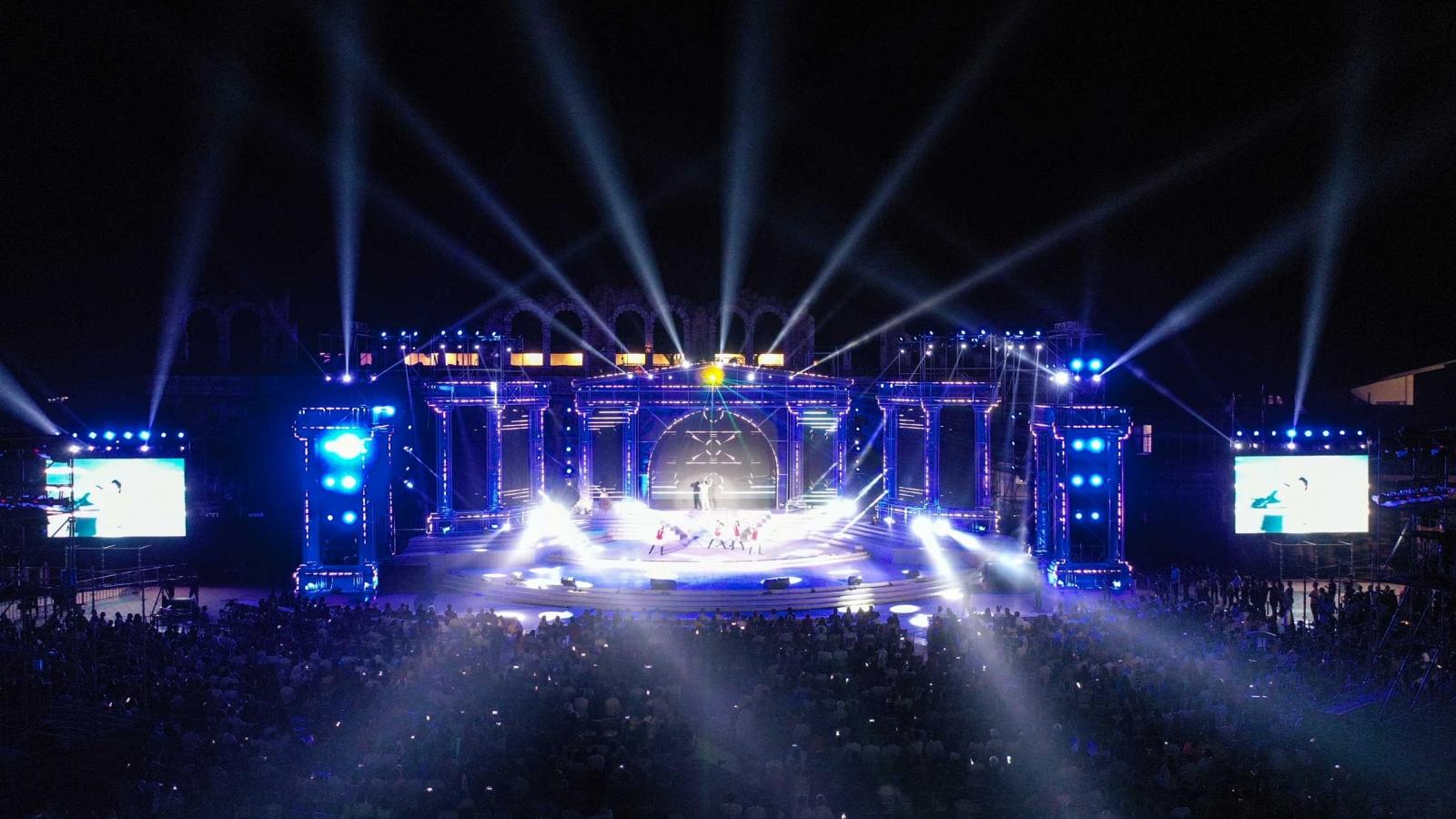 New Year Countdown 2021 Nam Phú Quốckhông gian nghệ thuật đẳng cấp xứng tầm đỉnh cao