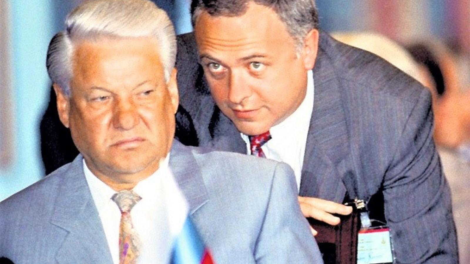 """Lý do cựu Ngoại trưởng Nga Kozyrev có biệt danh """"Mr. Yes"""""""