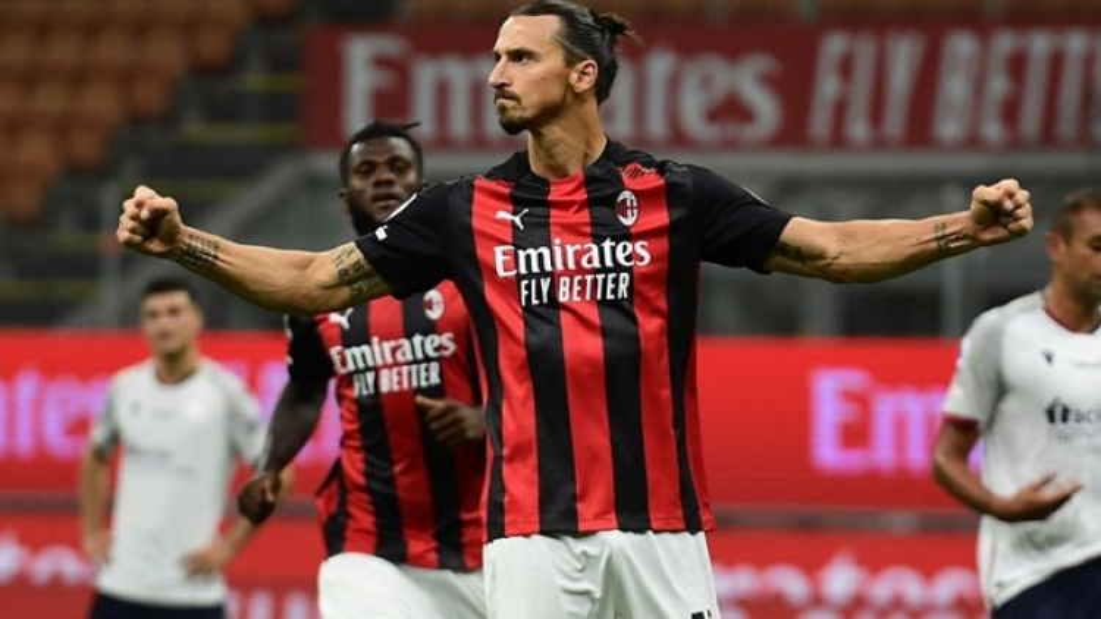 Ibrahimovic để ngỏ khả năng ở lại AC Milan