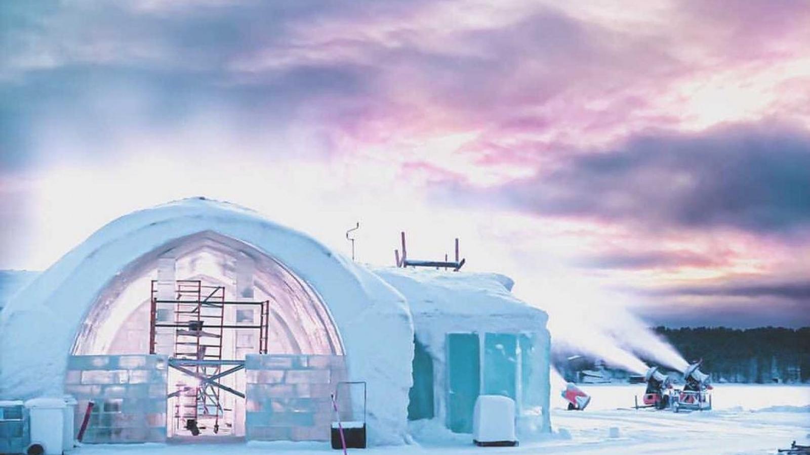 Khách sạn lạnh giá xây bằng băng tuyết
