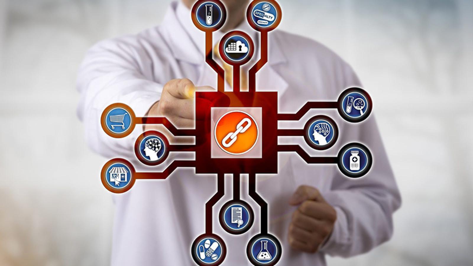 NHS Vương quốc Anh sử dụng công nghệ blockchain để lưu trữ vắc-xin Covid-19