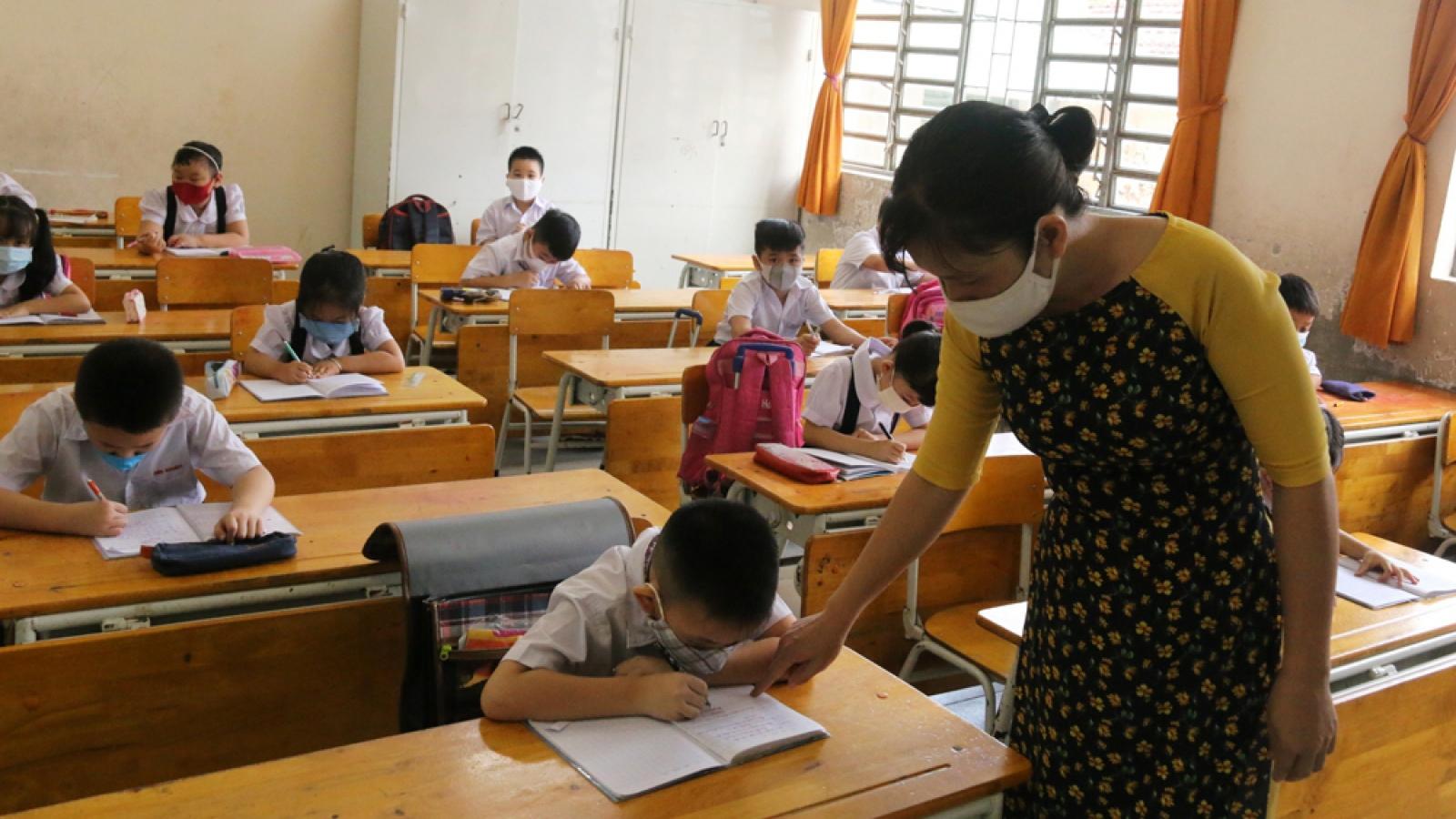 1 ca dương tính, Bình Dương gấp rút cho học sinh nghỉ học