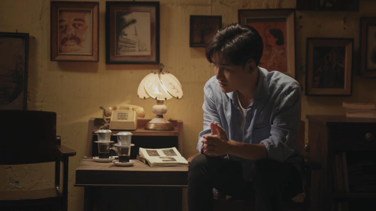 """Ali Hoàng Dương xúc động viết thư tay gửi cha trong mv nhạc phim """"Bố già"""""""