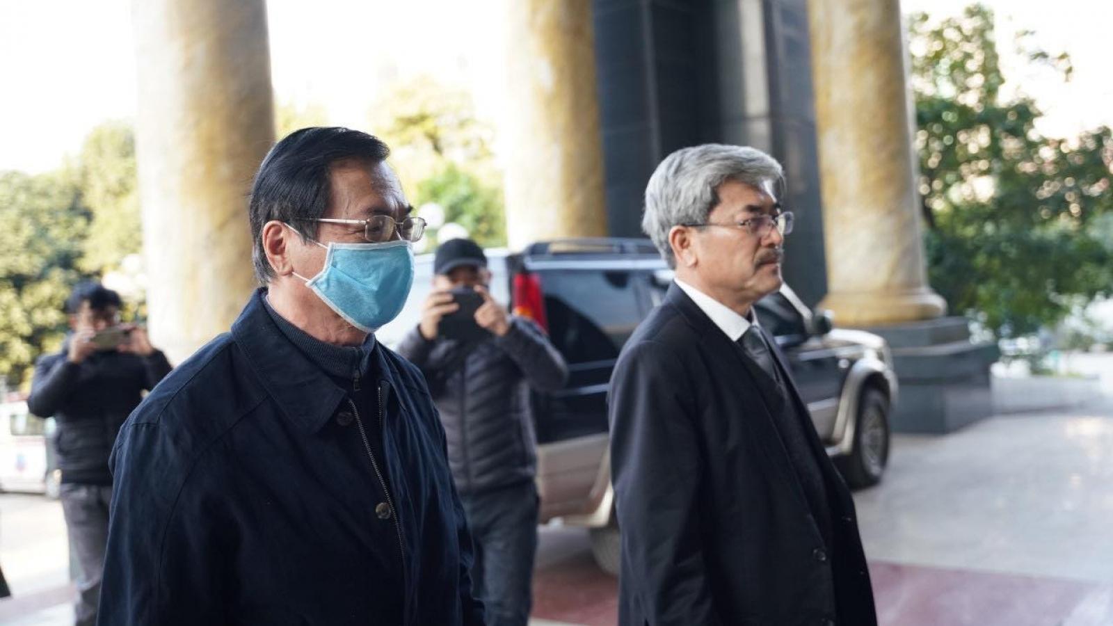 Lần thứ hai hoãn phiên tòa xét xử cựu Bộ trưởng Công Thương Vũ Huy Hoàng